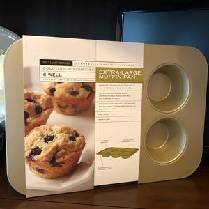 NEW! Williams Sonoma Jumbo Muffin Pan XL Goldtouch